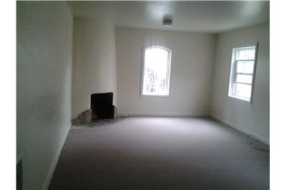 Prime location Large studio near SFCU $1700.00