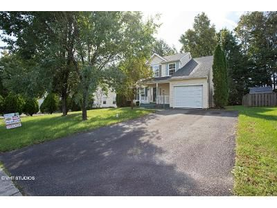 3 Bed 2.5 Bath Foreclosure Property in Woodbridge, VA 22193 - Rhode Island Dr