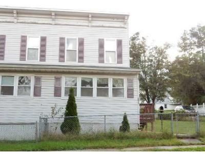 3 Bed 2 Bath Foreclosure Property in Halethorpe, MD 21227 - Hammonds Ferry Rd