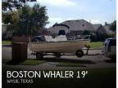 Boston Whaler - 190 Outrage