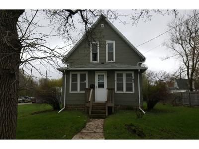 3 Bed 2 Bath Foreclosure Property in Mason City, IA 50401 - 15th St NE