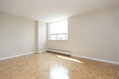 1 Bedroom Apartment around Sheppard/Don Mills