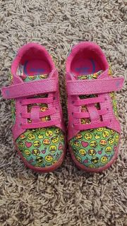 Toddler Size 7 Wide - Emoji Light up Stride Rite sneakers