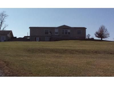 3 Bed 1.0 Bath Preforeclosure Property in Deep River, IA 52222 - D Ave