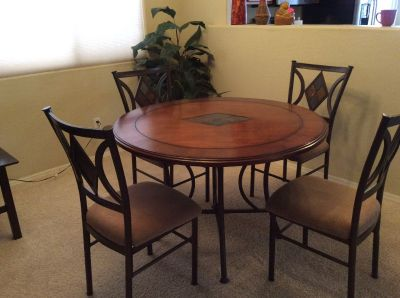 Dinning Room Table and 4 Chairs