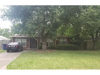 3 Bed 2 Bath Foreclosure Property in Texas City, TX 77590 - 3rd Ave N