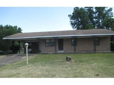 3 Bed 2 Bath Foreclosure Property in Little Rock, AR 72206 - Plantation Dr