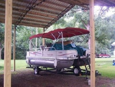 2006-Beachcomber-22-Ft-Pontoon-Boat-With-Motor-Trailer