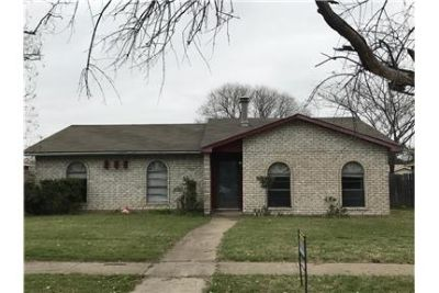 5069 Thompson Dr, The Colony, TX 75056