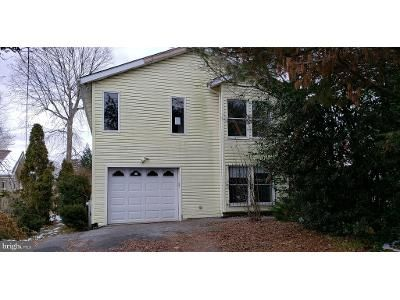 4 Bed 3 Bath Foreclosure Property in Dundalk, MD 21222 - Shore Rd