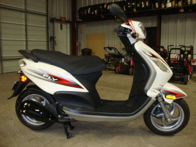 2012 Piaggio Fly 50 4V Scooter Francis Creek, WI