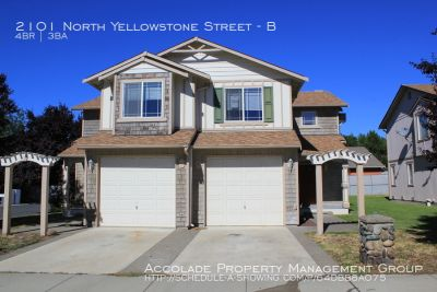 BEAUTIFUL! 4 Bed 2.5 Bath Remodeled Townhome