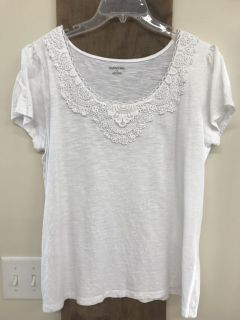 SJB S/s White Emroidered Neck Top Sz L