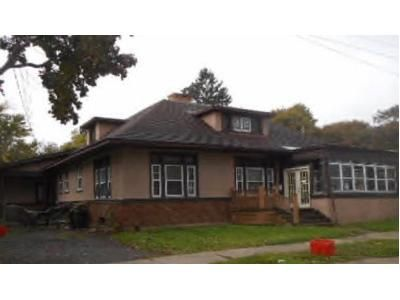 4 Bed 3.0 Bath Preforeclosure Property in Utica, NY 13502 - Maple St