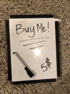 Magnetic note sign.
