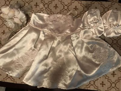 Build a Bear wedding dress with shoes and bouquet $3