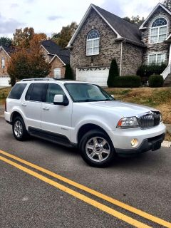 2005 Lincoln Aviator luxury SUV 4 Door