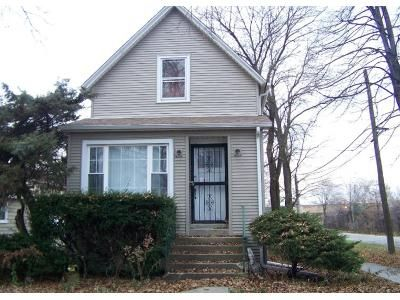 3 Bed 2 Bath Preforeclosure Property in Maywood, IL 60153 - S 6th Ave