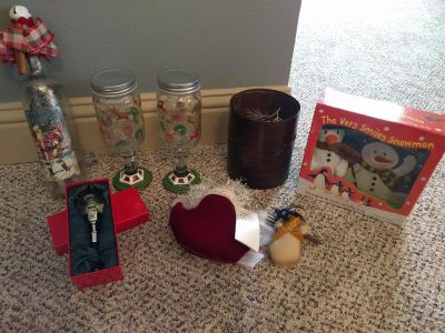 Christmas in july lot- new!