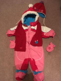 New warm and comfy 9 mos snow suit
