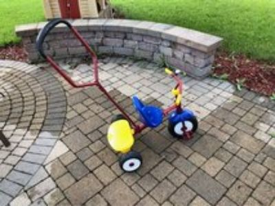 Radio Flyer Deluxe Steer & Stroll Trike! Used! Good Condition!