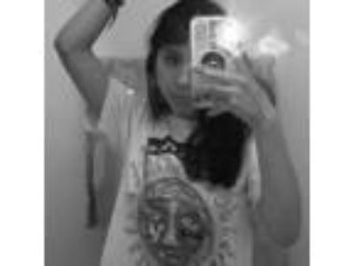 I m a 19 year girl from Moreno Valley CA, I m very good with kids and pets