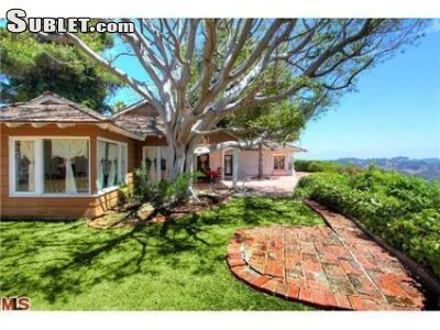 $10500 3 single-family home in West Los Angeles
