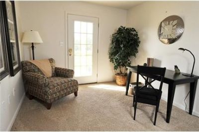 2 bedrooms Apartment - Set in the natural beauty of York County. Pet OK!