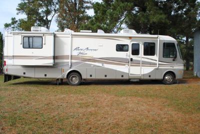 PRICE REDUCED 1999 Fleetwood Pace Arrow Vision