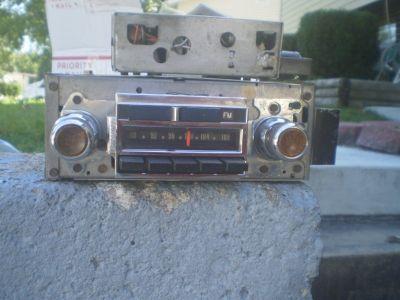 RARE 455 Buick 1970 LeSabre Wildcat Electra AM-FM PB radio 12V AM FM RADIO