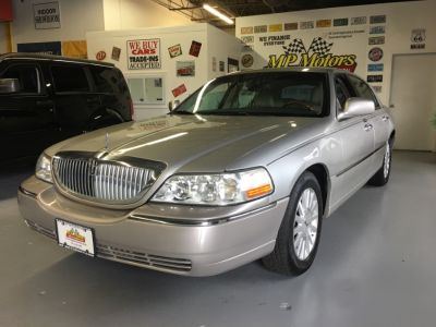 2003 Lincoln Town Car Signature (GY)