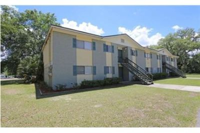 Beautiful  Two Bedroom Close to Everything