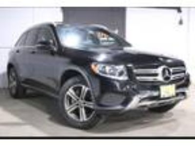 used 2017 Mercedes-Benz GLC-Class for sale.