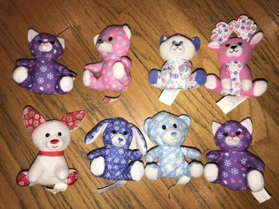 2013 MINIATURE BUILD A BEAR HOLIDAY XMAS PLUSHIES FROM MCDONALDs EXCELLENT CONDITION! So Cute!