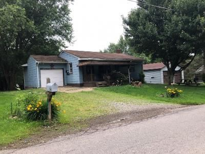 2 Bed 1 Bath Preforeclosure Property in Vandergrift, PA 15690 - Spruce Hollow Rd