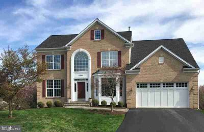 19001 Starkey Ter BROOKEVILLE Four BR, Impeccable brick front