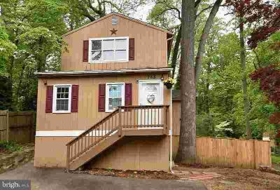 758 Eddy Rd CROWNSVILLE Two BR, Beautiful cottage by the sea.