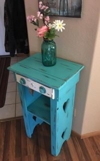 Cute antique/vintage two tier wood stand