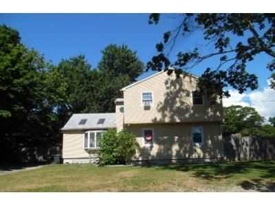 3 Bed 3 Bath Foreclosure Property in Patchogue, NY 11772 - Clinton Ave
