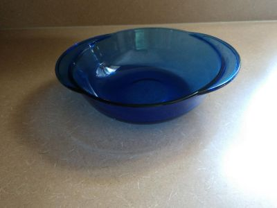 Anchor Hocking 2 quart blue glass bowl oven and microwave safe