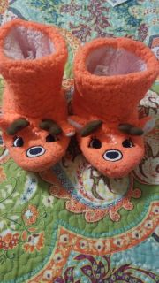 Girls slippers size s/m