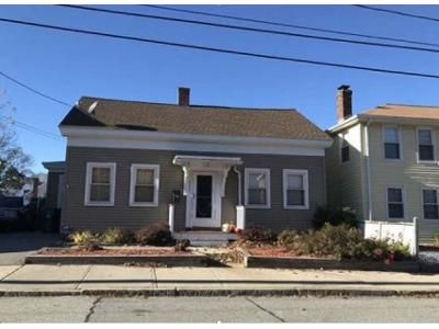 4 Bed 1 Bath Foreclosure Property in Woonsocket, RI 02895 - Park Ave