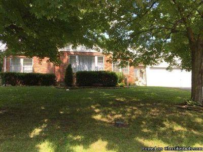 1626 Grant Rd, Saint Louis, MO 63119