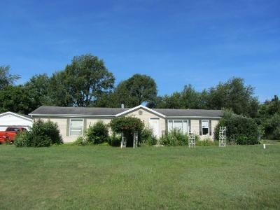 4 Bed 2 Bath Preforeclosure Property in Laporte, IN 46350 - N Coachlight Dr