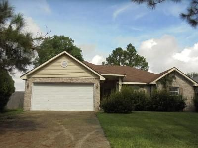 3 Bed 2 Bath Foreclosure Property in Slidell, LA 70461 - Montgomery Blvd