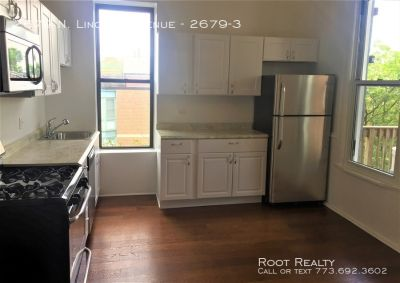 Lincoln Park – Spacious 3-Bedroom/1-Bath – Available July 1!