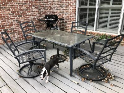 Patio Dining Table $30