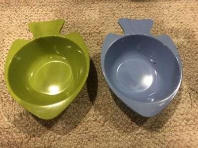 2 fish shaped candy dishes