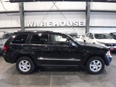 2010 Jeep Grand Cherokee Laredo (Brilliant Black Crystal Pearl)
