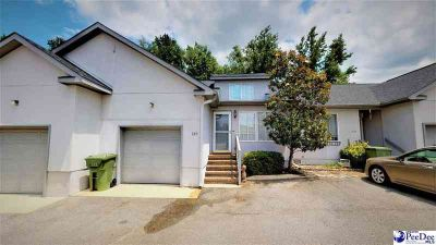 700 S Cashua Dr #21B FLORENCE Three BR, This town home is a